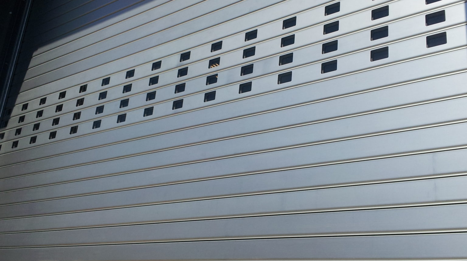 HIGH SPEED ROLLING ALUMINIUM DOOR *TNR HSR 007*